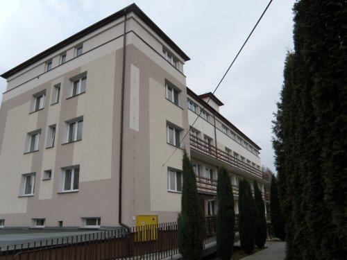 - budynek_zol_w_handzlow.jpg